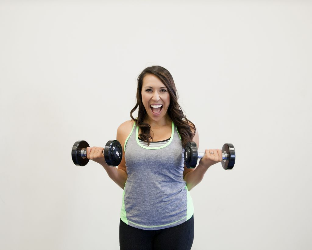 Image of woman weightlifting doing arm curls